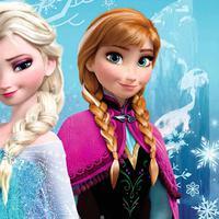Elsa dan Anna yang merupakan pemeran utama dalam film Frozen