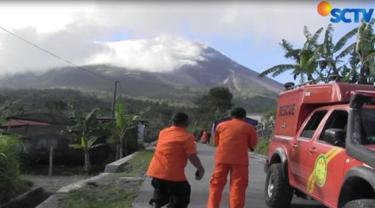 Tim meminta masyarakat mengantisipasi berbagai kemungkinan dengan mengenali tanda-tanda alam dari aktivitas Gunung Merapi.
