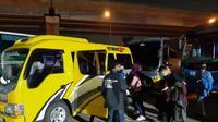 Sejumlah travel mengangkut pemudik saat PSBB terpaksa ditilang (dok: Kemenhub)