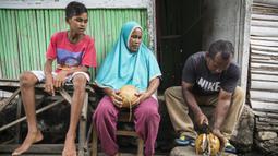 Kedua orang tua Ilham Lestaluhu mendukung penuh cita-cita anaknya menjadi pesepak bola nasional, dengan memasukan anaknya ke SSB Tulehu Putra. (Bola.com/Vitalis Yogi Trisna)