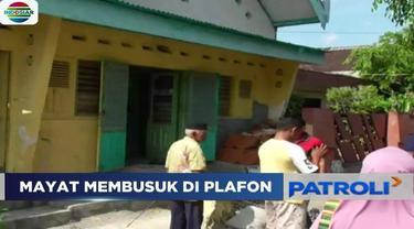 Diduga meninggal karena sakit, sesosok mayat pria yang telah mulai membusuk ditemukan warga di atas plafon sebuah rumah di Solo, Jawa Tengah.