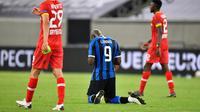 Romelu Lukaku bersyukur setelah membawa Inter Milan mengandaskan Bayer Leverkusen. (Martin Meissner / POOL / AFP)