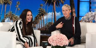 Sebagai sahabat, Ellen DeGeneres dan istrinya, Portia de Rossi ingin berbuat lebih untuk Demi Lovato. (Entertainment Tonight)
