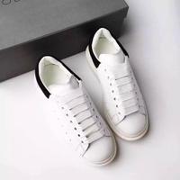 Sneakers putih. (Sumber Foto: Pinterest)