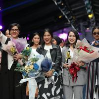 Cotton Ink merayakan perjalanan yang kesepuluh tahun dengan koleksi kolaborasinya bersama Dian Sastro, Raisa, Isyana Sarasvati, dan Vanesha Prescilla di panggung JFW 2019.A