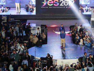 Gaya Sandiaga Uno Menggaet Milenial di YES 2019