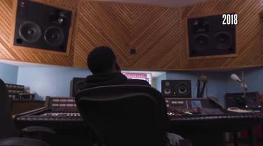 Berita video pemain NBA dari Indiana Pacers yang juga musisi, Victor Oladipo, saat berada di studi musik.