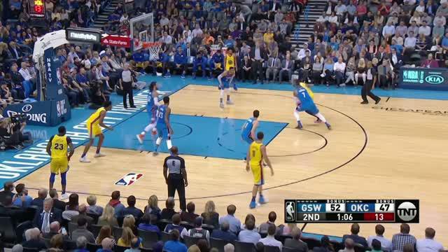 Berita video game recap NBA 2017-2018 antara Golden State Warriros melawan Oklahoma City Thunder dengan skor 111-107.