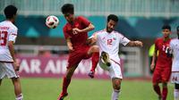 Timnas Uni Emirat Arab U-23 menang 4-3 atas Vietnam lewat adu penalti, pada cabang olahraga sepak bola Asian Games 2018, di Stadion Pakansari, Cibinong, Sabtu (1/8/2018). (AFP/Martin Bureau)
