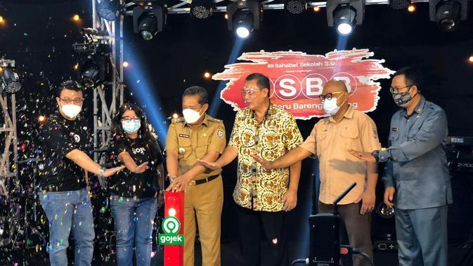 Program kerja sama Gojek dan Pemkot Bandung mendukung budaya hidup sehat siswa sekolah, Sahabat Sekolah 3.0 resmi ditutup, Kamis (8/4/2021). Selama pelaksanaan, terkumpul sebanyak 2,7 ton sampah plastik. (Dok: Gojek)