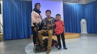 Keluarga inklusif Rina, Anto, dan Kenzi di Jakarta Pusat (3/12/2019).