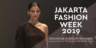 JFW 2019: Indonesia Fashion Forward presents BYVELVET, Peggy Hartanto & Reves Studio