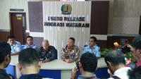 migrasi Kelas I Mataram melakukan penolakan pembuatan 85 paspor.