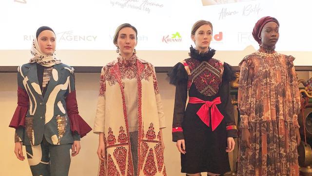 Dian Pelangi Comeback Ke New York Fashion Week 2019 Lifestyle