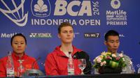 Juara Piala Thomas 2016 Viktor Axelsen tak takut dengan tekanan publik Istora Senayan, pada Indonesia Open kali ini. (Liputan6.com/Waliyadin)