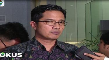 KPK menyatakan pihaknya tidak berwenang menghentikan proyek pembangunan meski ada dugaan suap pada pengurusan perijinan.