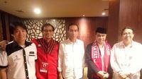 Joanes Joko (kiri) foto bersama Presiden Jokowi. (Liputan6.com/Loop/Duta Jokowi)