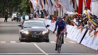 Pembalap Sapura Cyling Team Malaysia, Jesse Ewart, berhasil finis terdepan pada etape III Tour de Singkarak 2018, Selasa (6/11/2018). (dok. Tour de Singkarak)