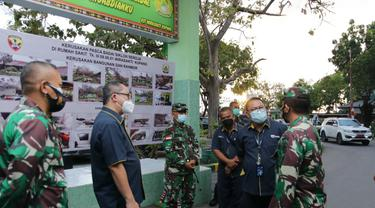 ASABRI menyerahkan bantuan program Tanggung Jawab Sosial dan Lingkungan (TJSL) di NTT