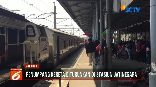 Aksi demo buruh di sekitar Istana Negara menyebabkan PT KAI harus mengubah rute perjalanan kereta.