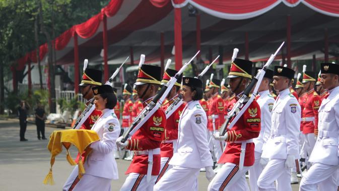 Paskibraka Jawa Barat Terpilih Jadi Pembawa Baki Sang Saka Merah Putih