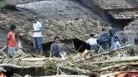 Warga korban banjir bandang di Pandeglang, Banten, berbenah. Sementara itu, eksekusi terpidana mati di Lapas Nusakambangan semakin dekat.