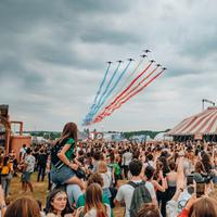 Mungkin tak pernah terbayang, tapi festival musik ini siap membuatmu tergiur untuk merasakan setidaknya sekali. (french Iceberg)