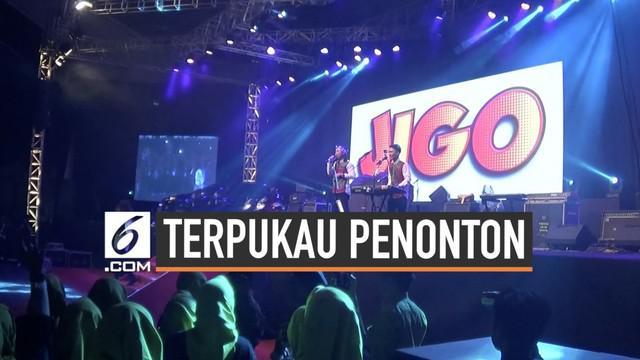 Grup band komedi Jigo mengaku terpukau melihat antusiasme 10 ribu penonton dalam acara HUT ke-5 MSI. Acara ini juga turut dimeriahkan oleh Zaskia Gotik dan Tipe-X.