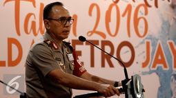 Kapolda Metro Jaya Irjen Pol M Iriawan menyampaikan laporan kinerja tahun 2016 Polda Metro Jaya di Jakarta, Kamis (29/12). M Iriawan menjelaskan bahwa angka kriminalitas yang ditangani Polda Metro Jaya selama tahun 2016 menurun. (Liputan6.com/Johan Tallo)
