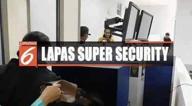 Menkumham Yasonna Laoly meresmikan Lapas Karanganyar di Nusakambangan dengan sistem super maximum security.