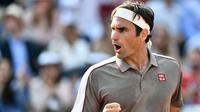 5. Roger Federer (tenis): 93.4 juta dolar AS. (AFP/Philippe Lopez)