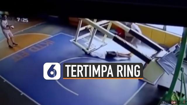 Diduga kepala korban mengalami cedera parah hingga kejang-kejang setelah ring diangkat.