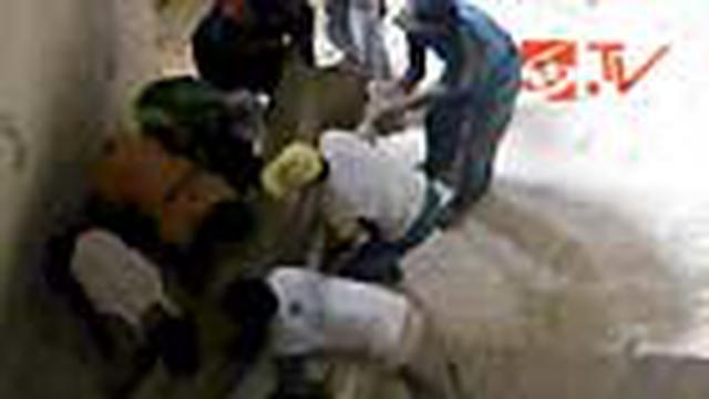 Tiga penambang tewas tertimbun reruntuhan batu kumbung dari atas ketinggian 25 meter di Tuban, Jatim.