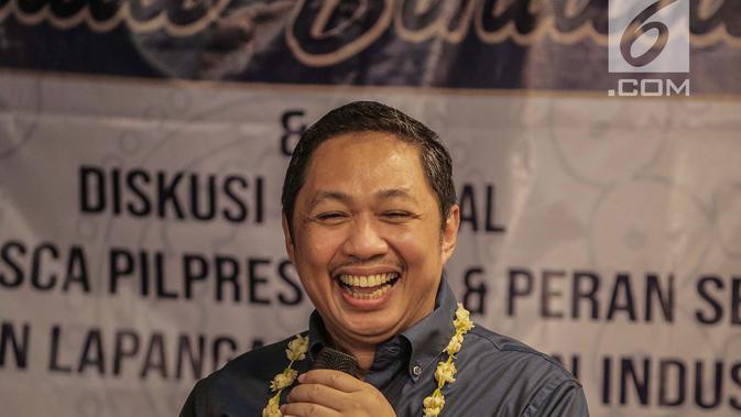 Pendiri Garbi Anis Matta saat berbicara dalam acara diskusi milenial di kawasan Jakarta, Minggu (14/7/2019). Anis mengapresiasi Sandiaga yang bisa move on dan tetap berjuang setelah kalah dalam pemilu. (Liputan6.com/Faizal Fanani)