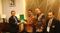 Perhimpunan Teknik Pertanian (Perteta) memberikan penghargaan Peterta Award kepada Menteri Pertanian (Mentan) Andi Amran Sulaiman sebagai penggerak pertanian modern berbasis mekanisasi.