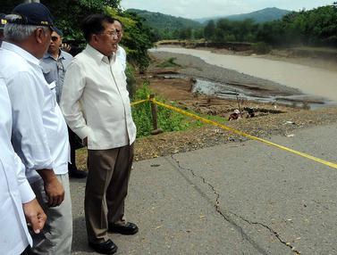 Wapres JK Tinjau Lokasi Banjir di Sulawesi Selatan