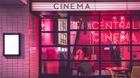 Rindu nonton di bioskop? simak cara aman menyaksikan film favorit di tengah pandemi vrus corona yang melanda. (Foto: Unsplash)