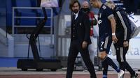 Pelatih Juventus, Andrea Pirlo, dan Cristiano Ronaldo. (AFP/Filippo Monteforte)