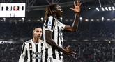 Penyerang Juventus, Moise Kean berselebrasi usai mencetak gol ke gawang AS Roma pada pertandingan lanjutan Liga Serie A Italia di stadion Turin Allianz, Italia, Senin (18/10/2021). Juventus menag atas Roma dengan skor tipis 1-0. (Fabio Ferrari/LaPresse via AP)