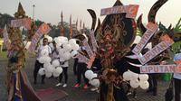 Karyawan Emtek ikut meramaikan parade Asian Games 2018. (Muhammad Adiyaksa/Liputan6.com)