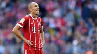 4. Arjen Robben - Pria Belanda ini punya catatan baik saat ditangani dua pelatih hebat ini. Pemain berkaki kidal itu mampu meraih gelar untuk Bayer Munchen bersama Pep Guardiola dan Chelsea bersama Jose Mourinho. (AFP/Christof Stache)