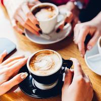 Selain hilangkan kantuk, minum kopi ternyata bisa menurunkan risiko terkena penyakit liver. (Sumber Foto: Shutterstock/The List)