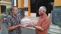 Hipapi Salurkan Donasi Konsumsi untuk Lansia. foto: istimewa