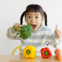 Tips agar anak suka makan sayur./Copyright shutterstock.com