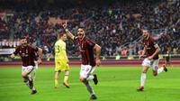 Andre Silva mencetak gol penentu kemenangan AC Milan atas Chievo dalam lanjutan Liga Serie Italia di Stadion San Siro, Minggu (18/3/2018) malam WIB. AC Milan menang 3-2. (MIGUEL MEDINA / AFP)