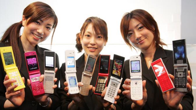 Kondisi tersebut terjadi akibat tingginya harga smartphone di Jepang.