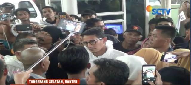Sandiga Uno dengarkan aspirasi para pedagang, sopir angkot, dan pengemudi ojek di sekitar Pasar Jombang, Tangerang, Banten.