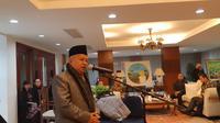 KH Muhyiddin Junaidi, Ketua Bidang Pendidikan dan Kaderisasi MUI di KBRI Beijing (19/2/2019)  (Rizki Akbar Hasan / Liputan6.com)