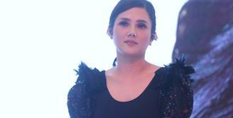 Mulan Jameela kembali meramaikan industri musik Tanah Air setelah sebelumnya, lima tahun terakhir merilis album 99 Volume 1. Rabu, (2/5/2018) mulan kembali merilis album baru. (Nurwahyunan/Bintang.com)
