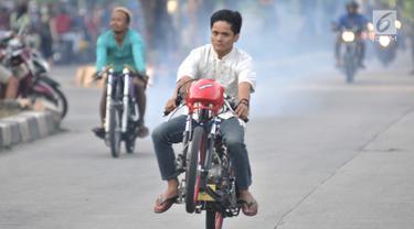 Balapan Motor Liar Warnai Minggu Pagi Ramadan di Ibu Kota